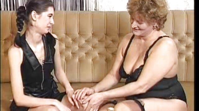 अश्लील कोई पंजीकरण  हॉट अमेजन प्यूमा सेक्सी वीडियो में पिक्चर स्वीड स्कर्ट्स जबकि उसके गले में गहरी गड़बड़
